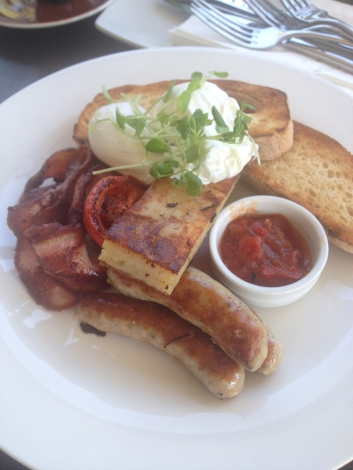 Big Bistro Breakfast, eggs, bacon, sausage, hash brown, roast tomato and toast with relish 22.5