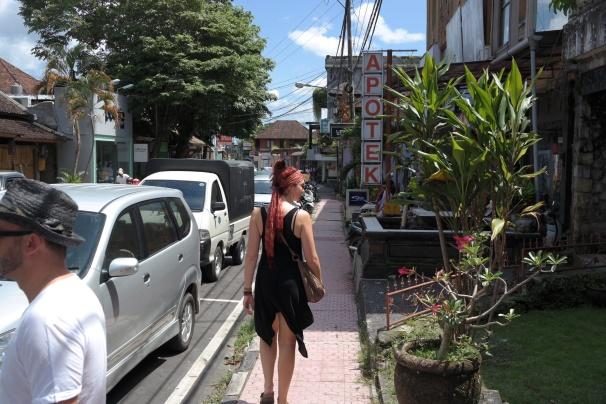 Lauren walks fast when she is hungry
