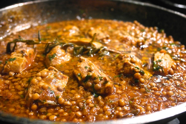 Add the pork to the tomato and lentil sauce