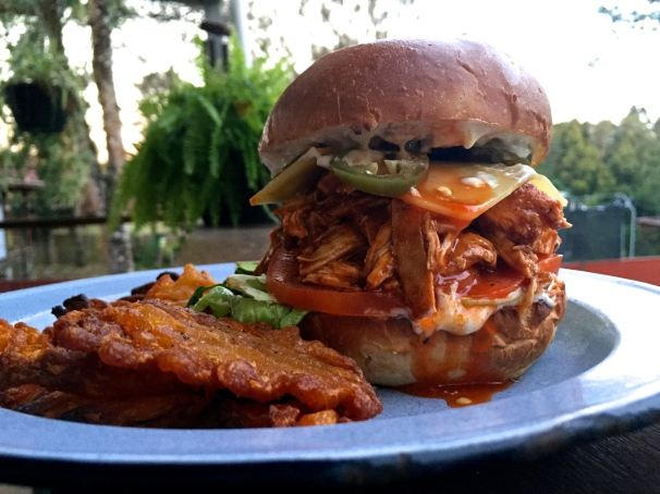 smoked pulled chicken burgers